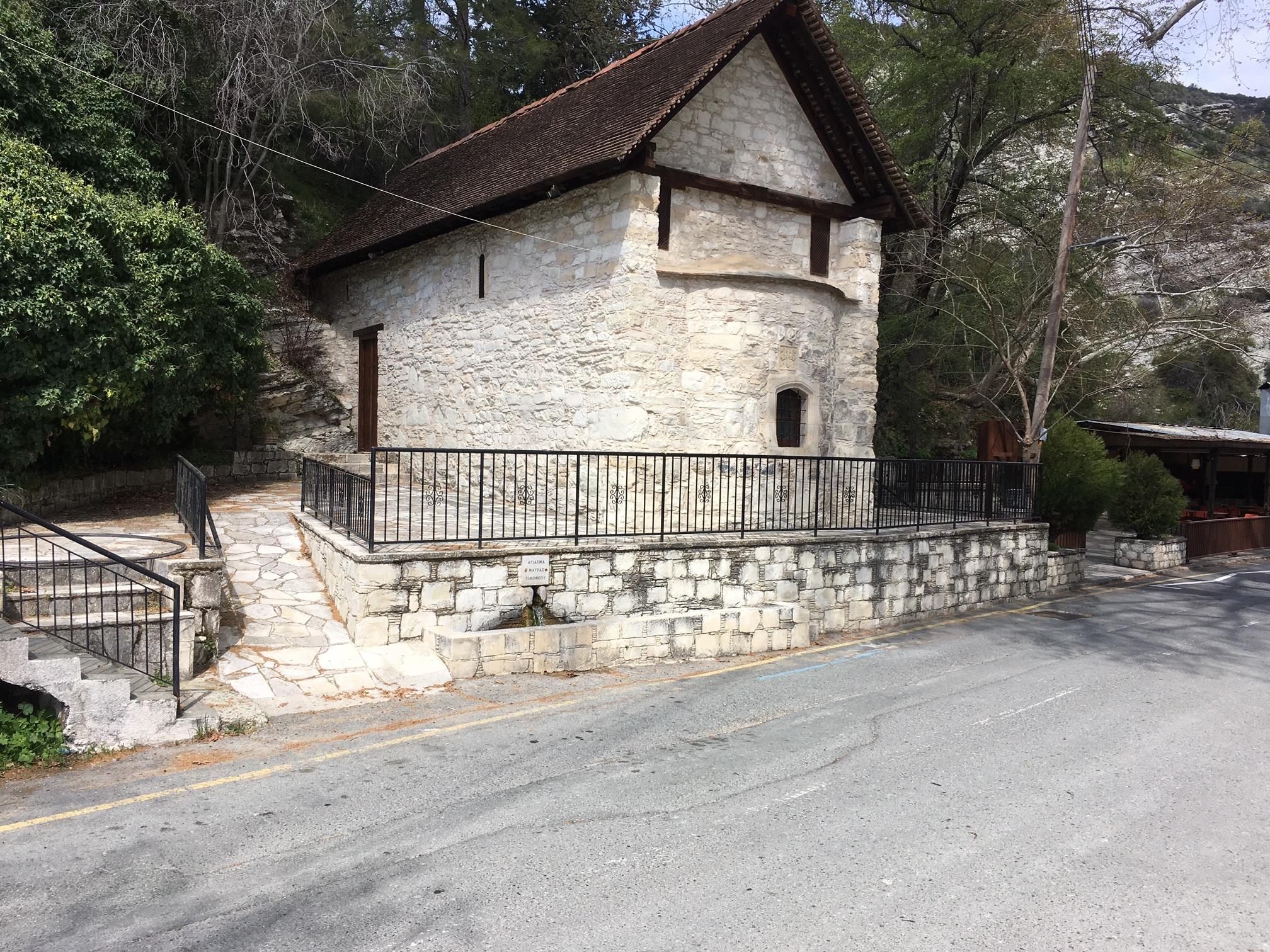 Ανάμεσα στα πιο εξέχοντα αξιοθέατα που θα συναντήσει κανείς στο Κοιλάνι είναι και το εκκλησάκι της Αγίας Μαύρης.