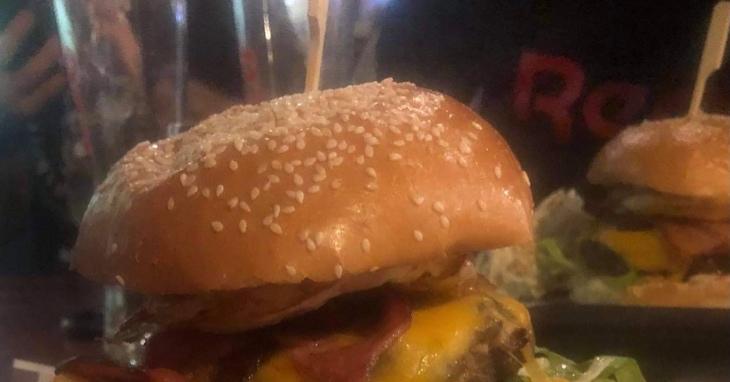 Moondogs Burger!!