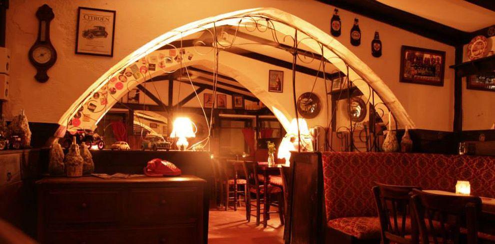 Tudor Inn (The)