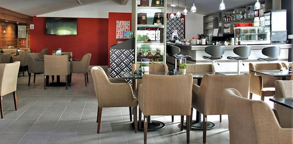 M Café Restaurant