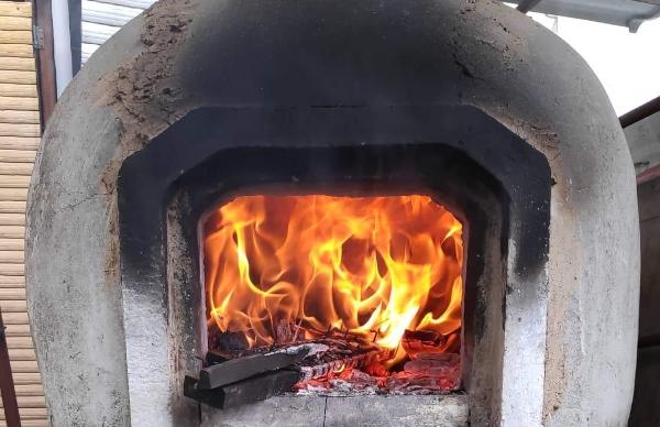 Ζεστο χωριατικο ψωμι με κυπριακο μπουκωμα